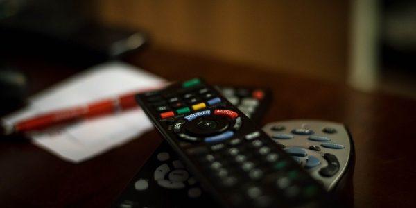 jak tlumaczyc programy telwizyjne, tlumaczenie programow telewizyjnych